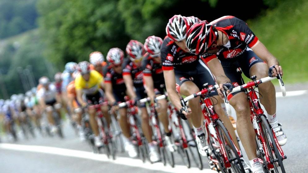 Основной пелотон в велоспорте
