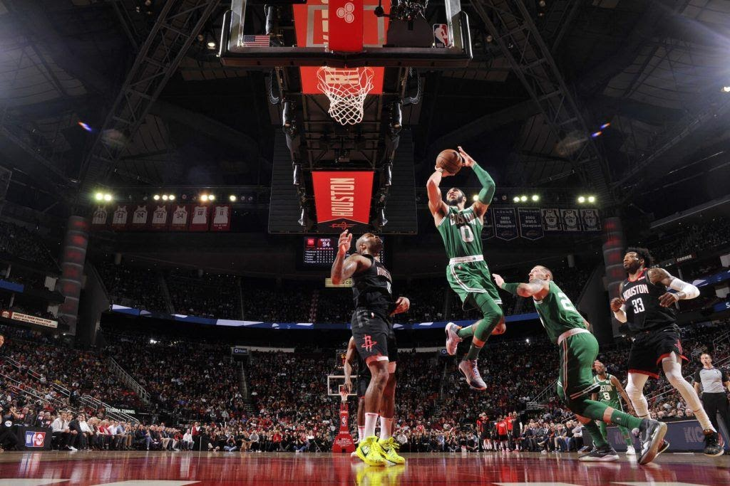 Супер прыжок в баскетболе