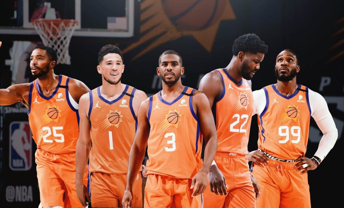 Финикс Санз на площадке Cтавки на НБА 2022