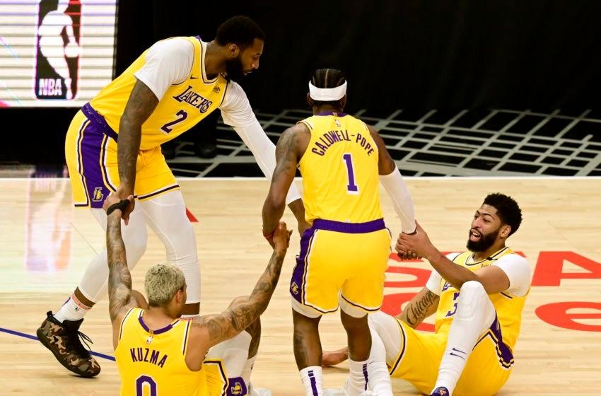 Лос-Анжелес Лейкерс на площадке Cтавки на НБА 2022
