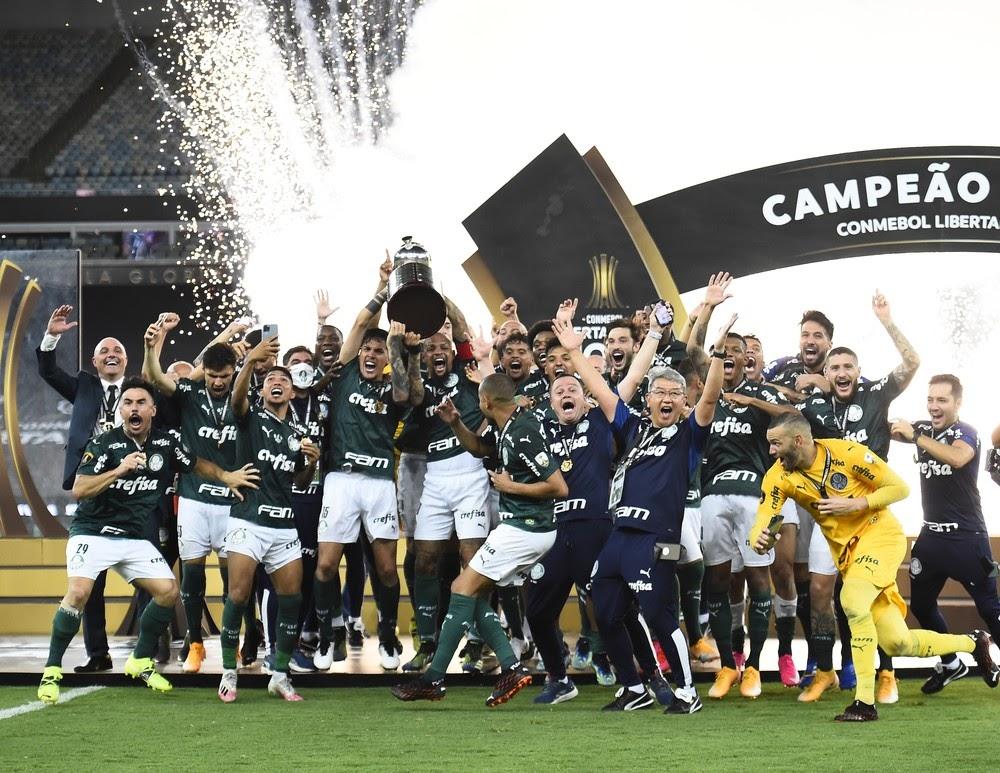Обладатель кубка Либертодорес