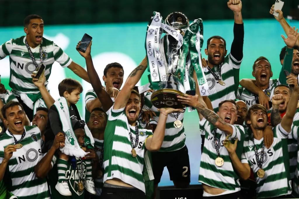 Чемпион Португалии 2021 Спортинг Лиссабон